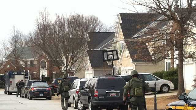 SwAT responds to standoff