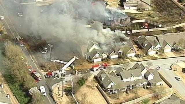 homes burn in greer.jpg
