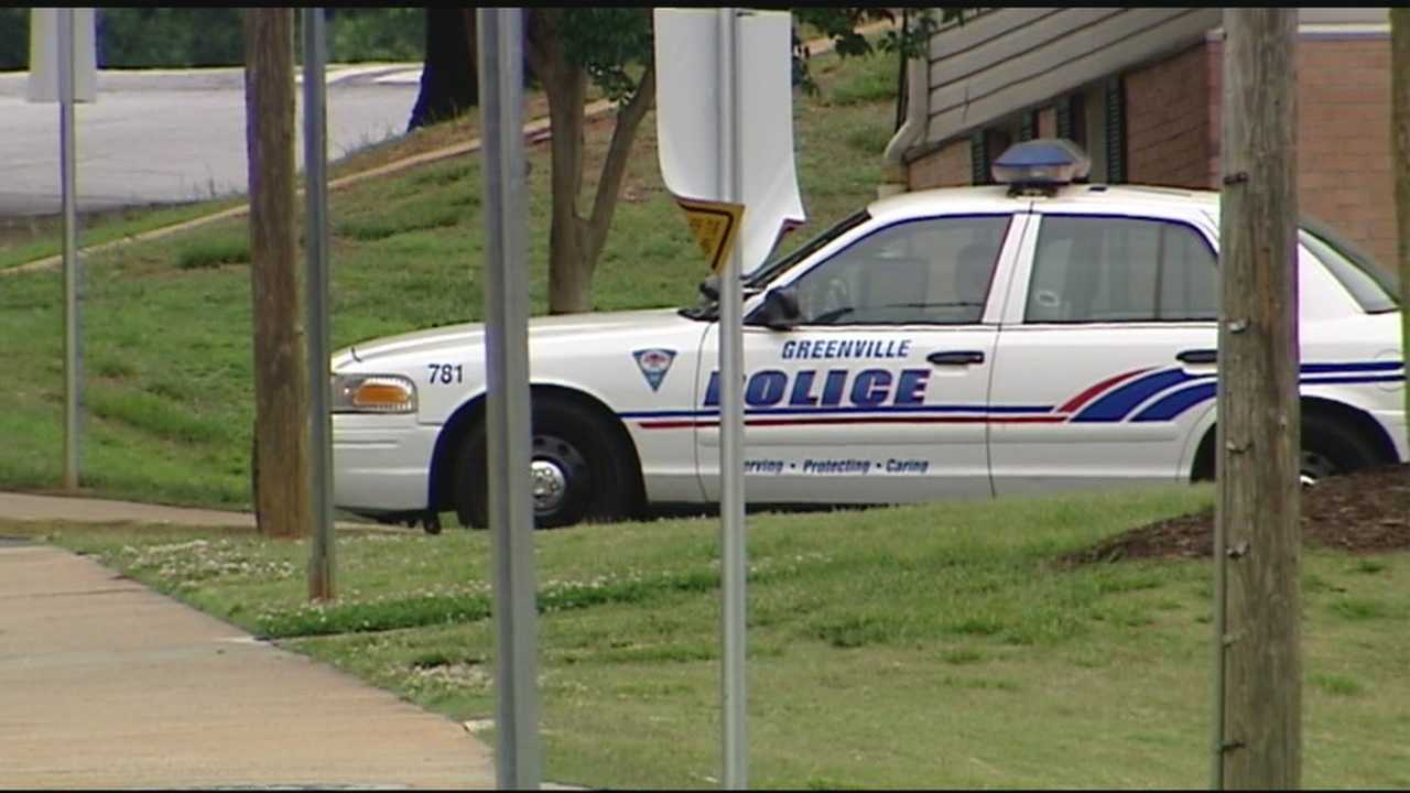 Greenville police searching for driver that hit officer