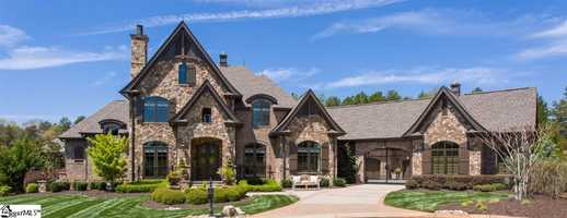 Simpsonville: This home has 6 bedrooms. 6.5 baths and an open floor plan for entertaining.