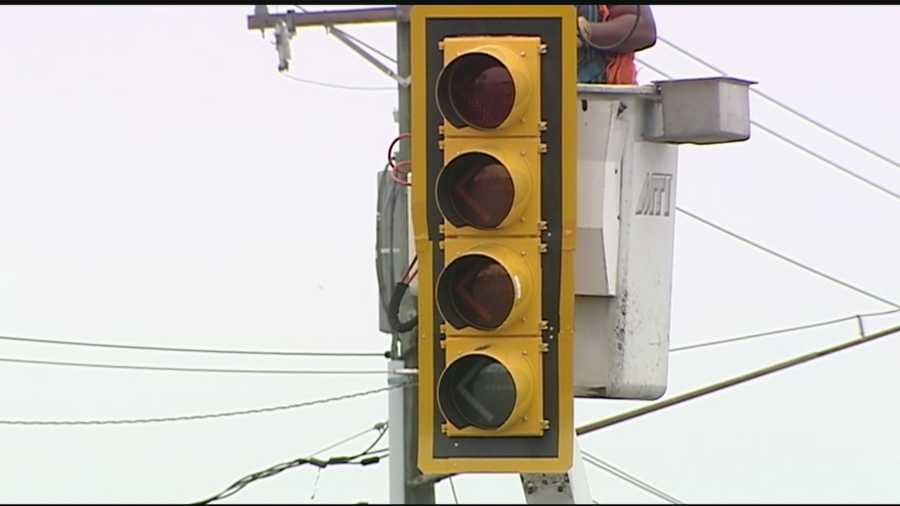 flashing yellow traffic light - photo #24