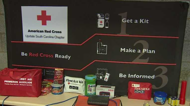 American Red Cross volunteers urging public to get ready for Hurricane Matthew.