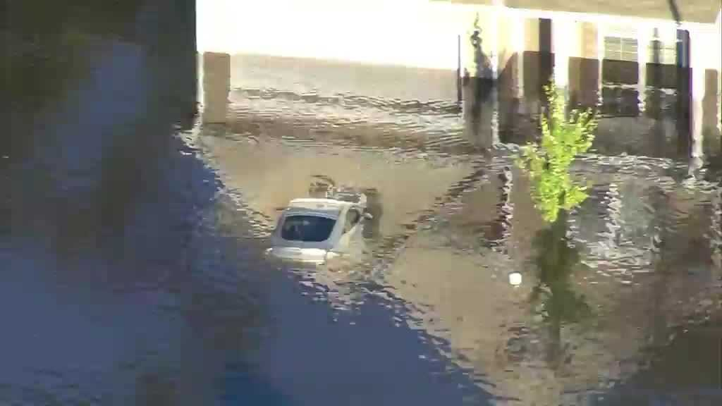 (img1)Flooding in Fayetteville, NC on Monday