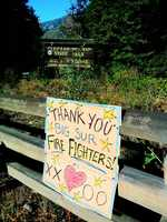 A homemade sign in Big Sur thanks firefighters.