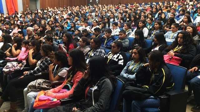 7th graders inspired at UC Santa Cruz