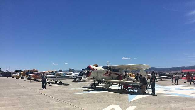 Hollister Air Show dazzles with aerobatics