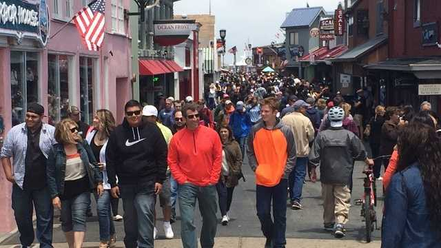 Fourth of July weekend attracts crowds to Monterey Bay
