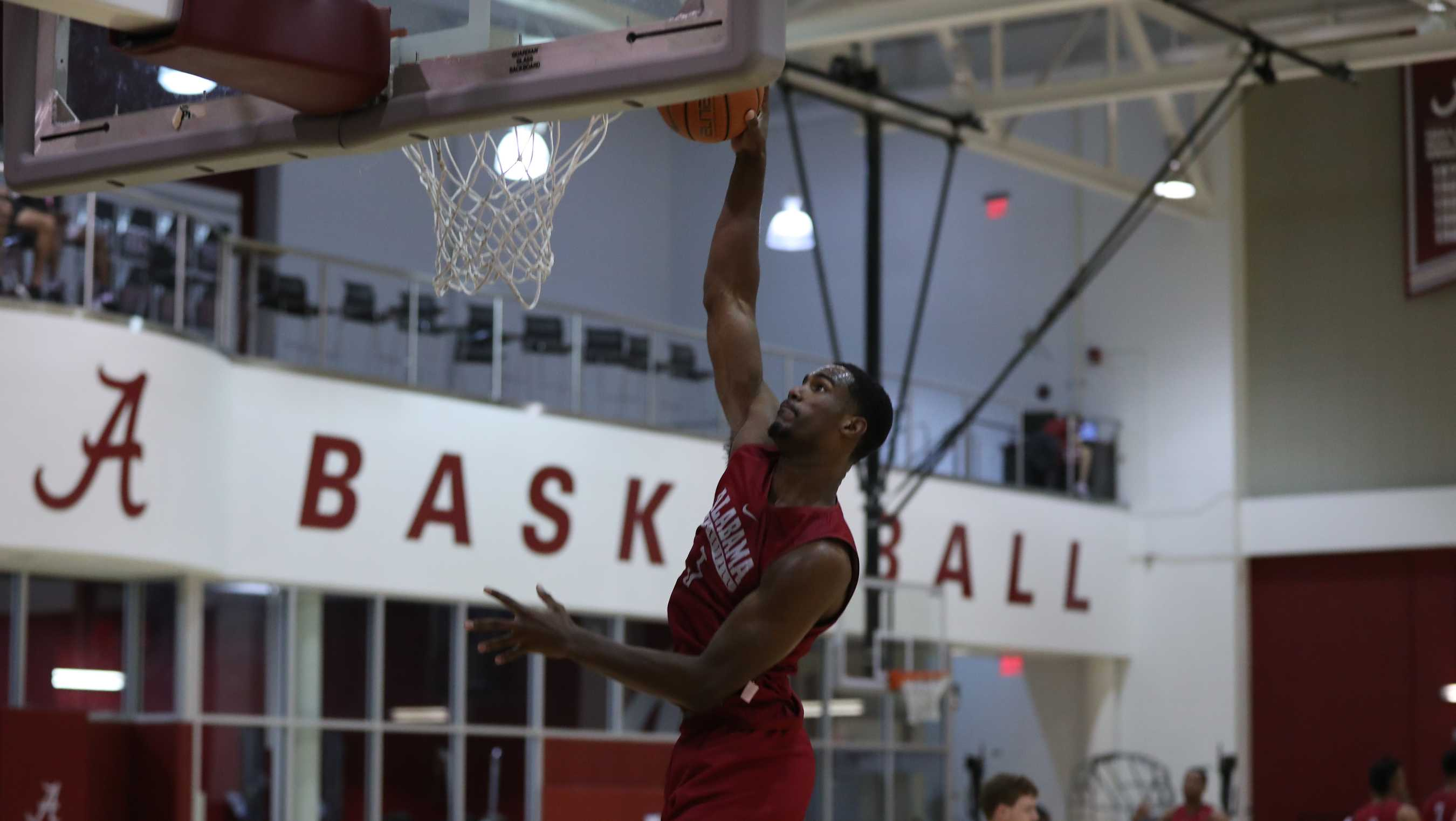 Crimson Tide holds first day of practice