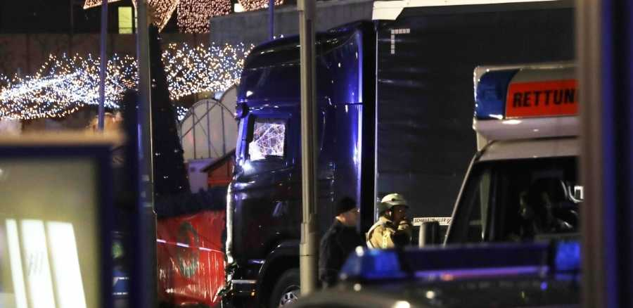 truck rams german christmas market at least 12 confirmed dead. Black Bedroom Furniture Sets. Home Design Ideas