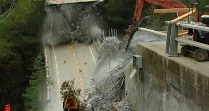 Pfeiffer Canyon Bridge in Big Sur demolished