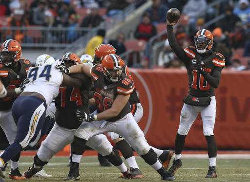 Browns win; Lions remain NFL's only 0-16 team
