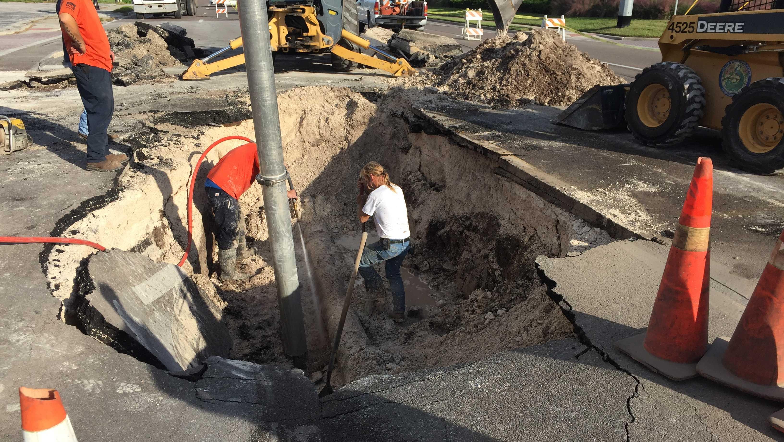 Fairbanks Ave hole