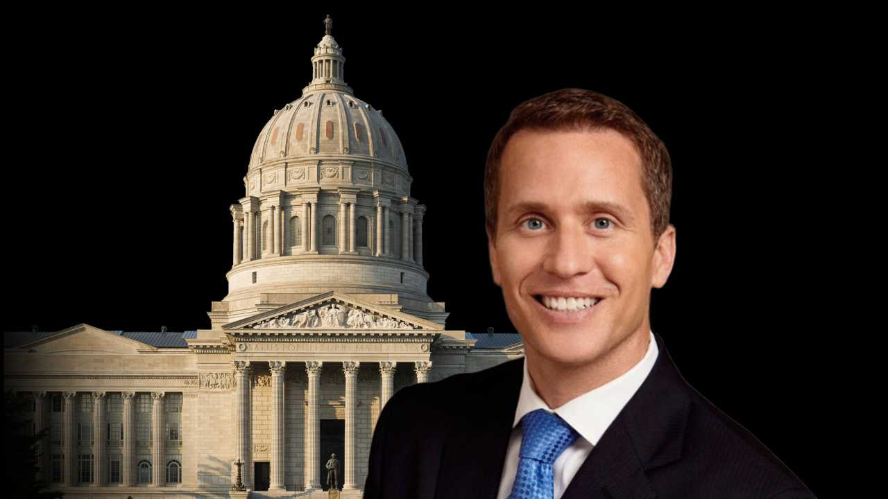 Greitens holds signing ceremony for right to work legislation