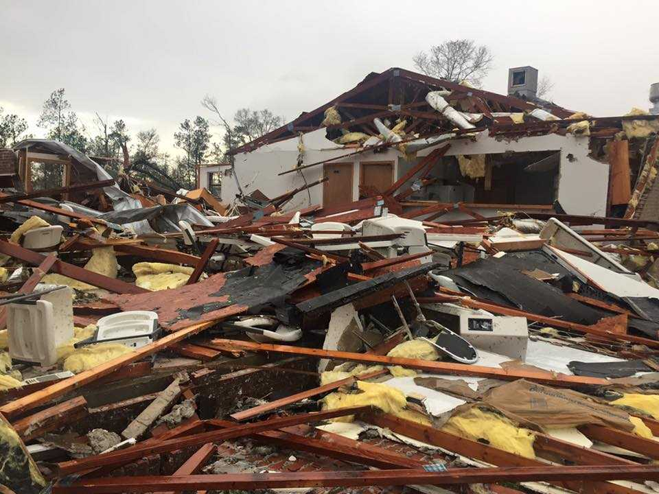 Weather service adds more tornadoes to list from weekend's storms