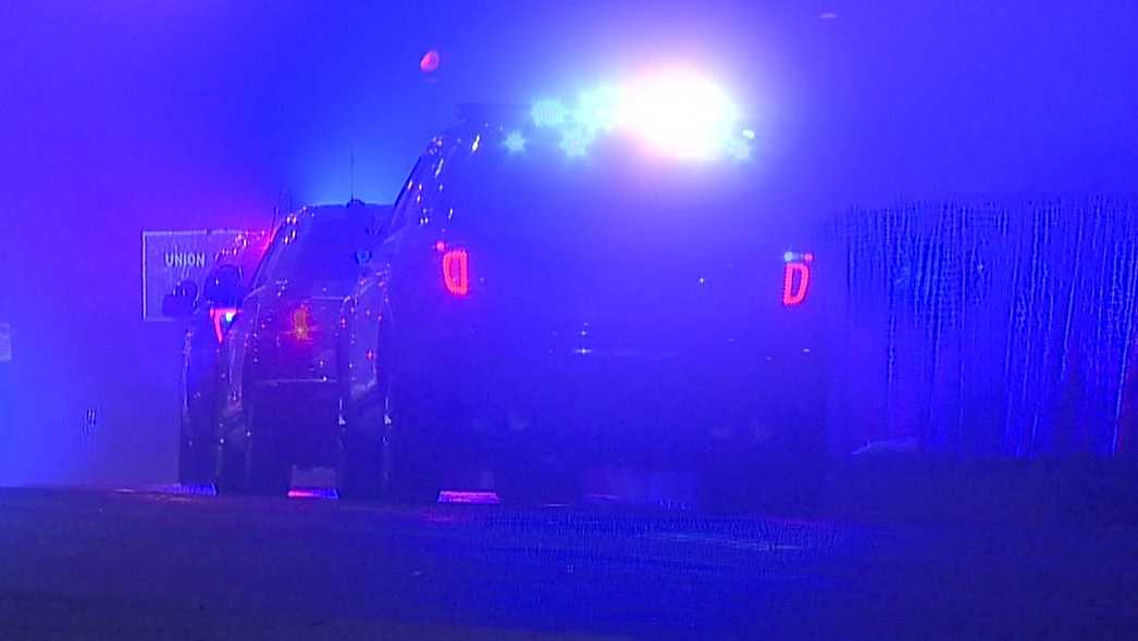 Woman killed after leaving car that crashed on I-93