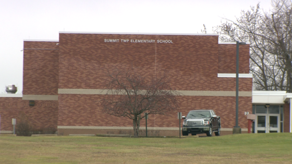 E. coli found in Summit Elementary well water; classes canceled all week