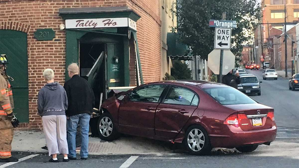 Car crashes into Tally Ho Lancaster