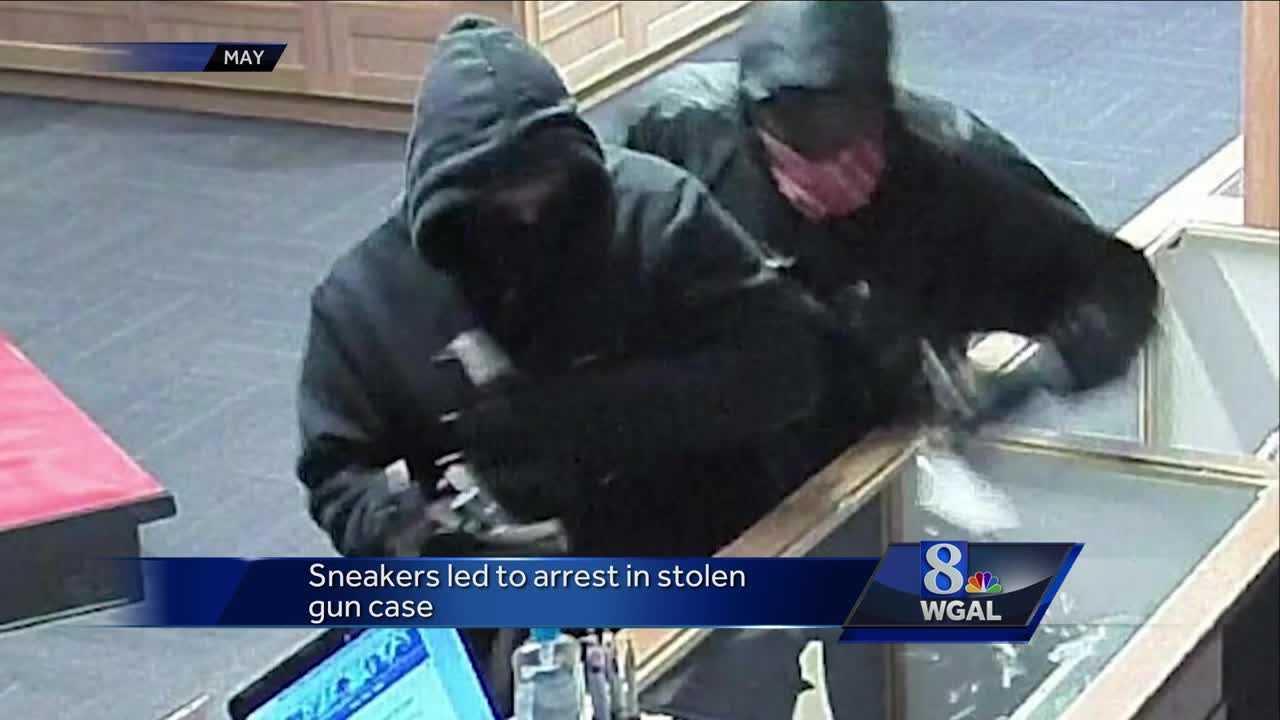 Trop gun shop robbery surveillance