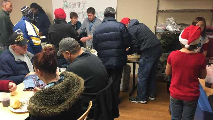 Junge Cedar Rapids >> 11-year-old girl helps homeless veterans this holiday season