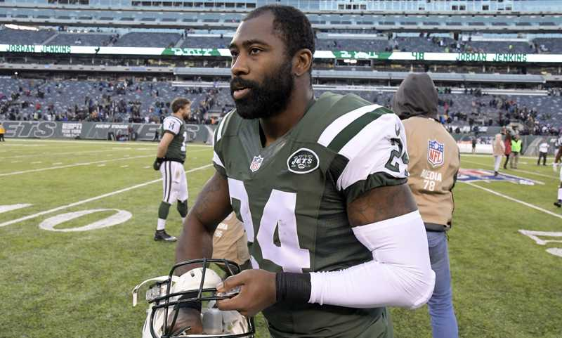 Darrelle Revis charged in South Side scuffle