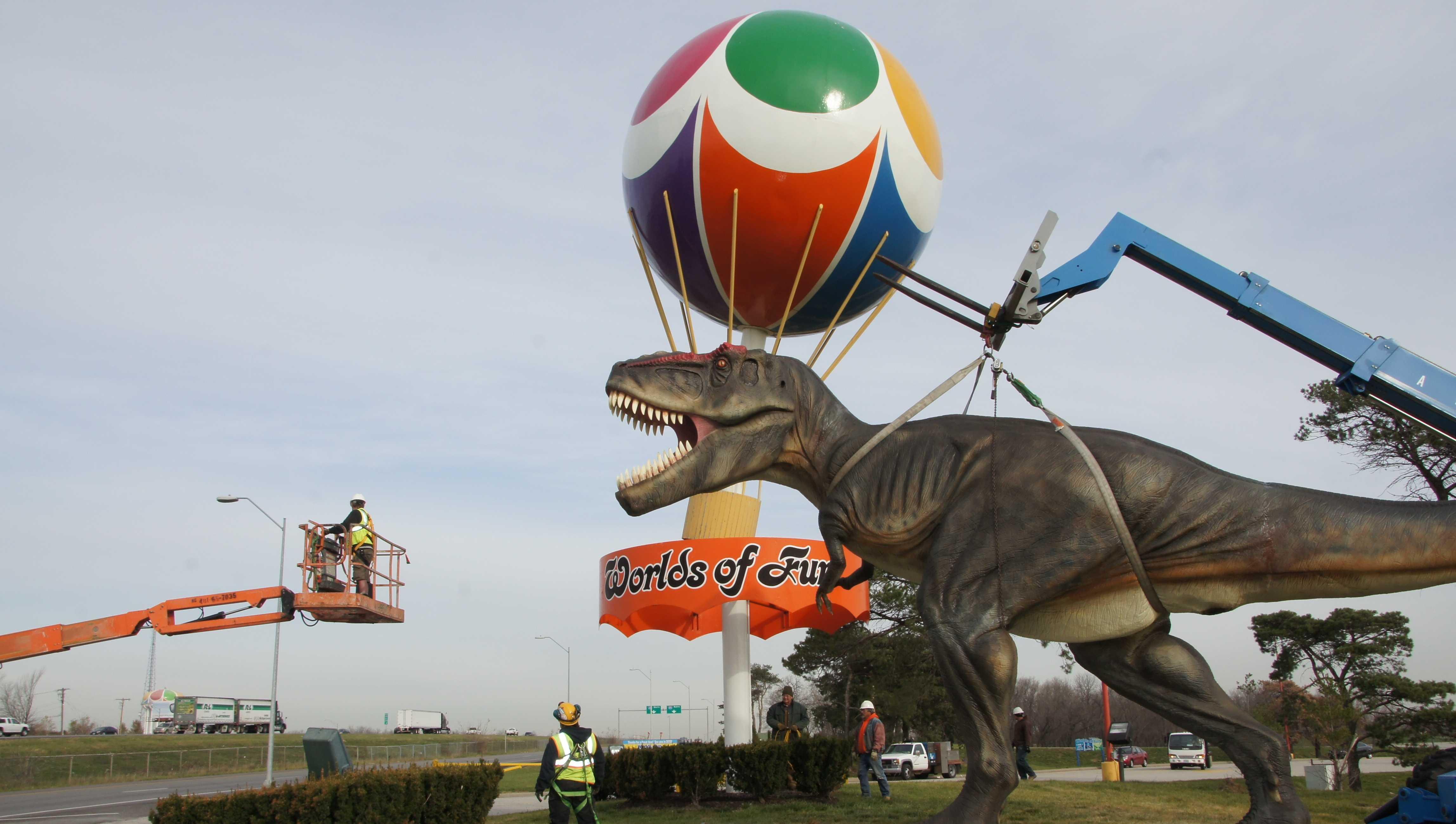 Image Worlds of Fun T-Rex
