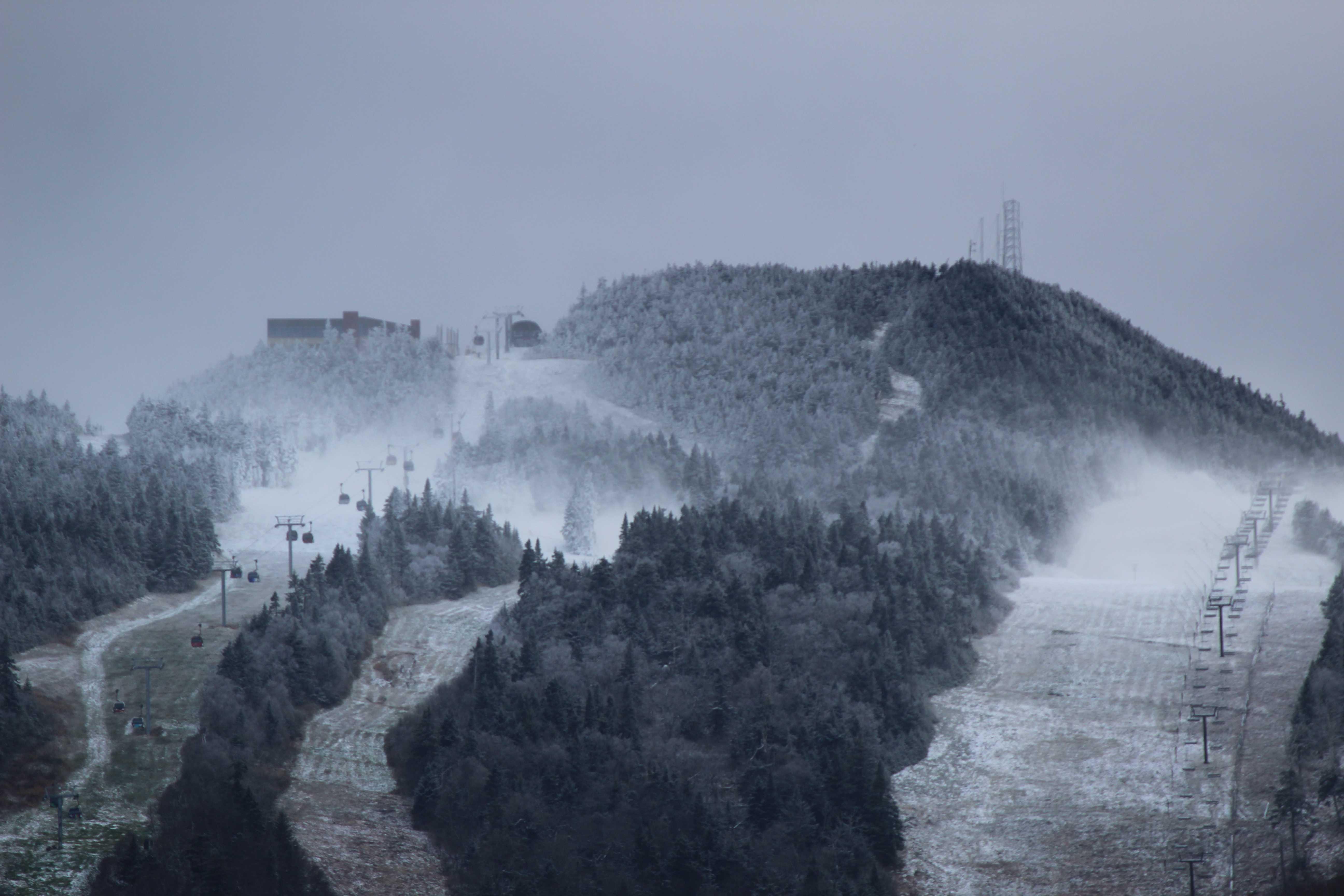 New York skier dies on trail at Vermont ski resort