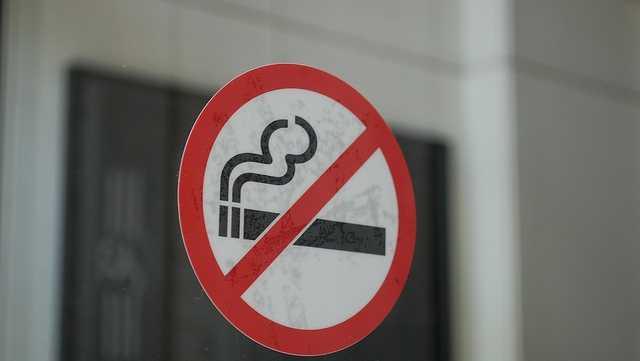 19 smoking smartsignbrooklyn.jpg