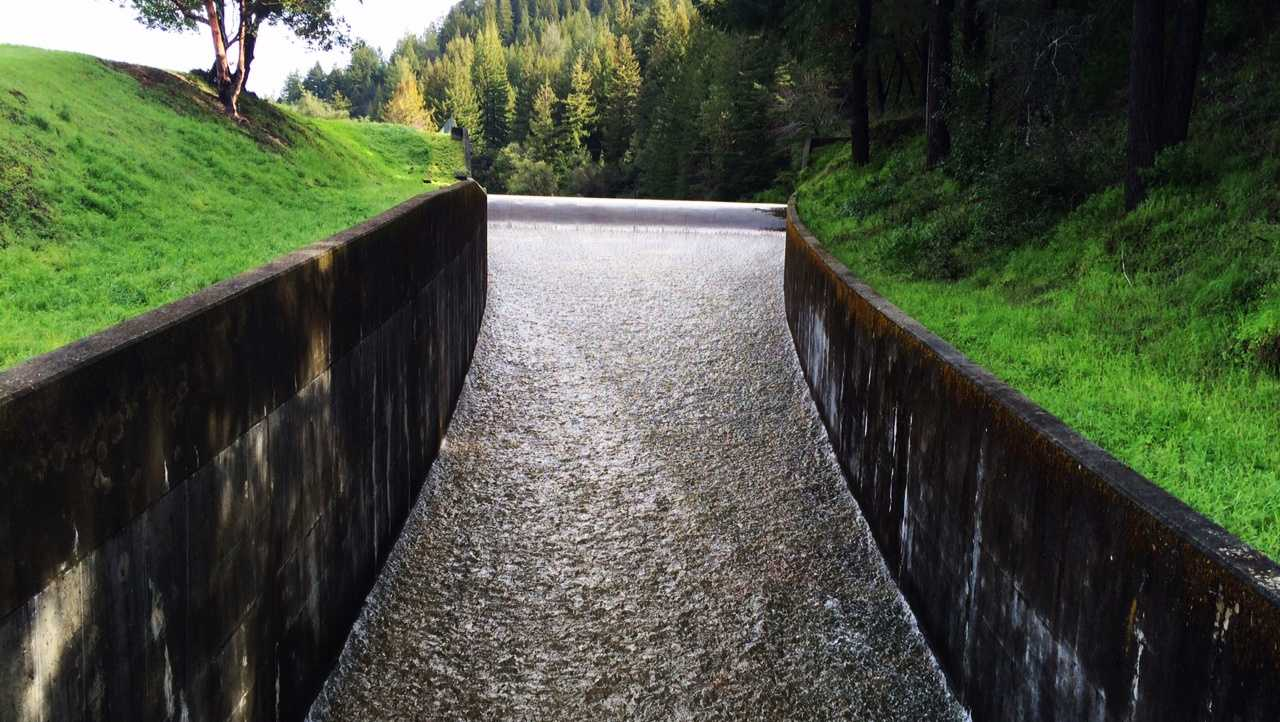 For the first time in three years, the Loch Lomond Reservoir in the Santa Cruz mountains is overflowing because of recent rainstorms. (March 14, 2016)