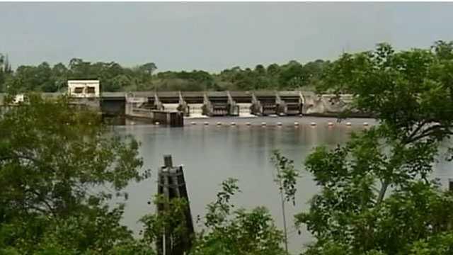Rain causing increased water levels in Lake Okeechobee