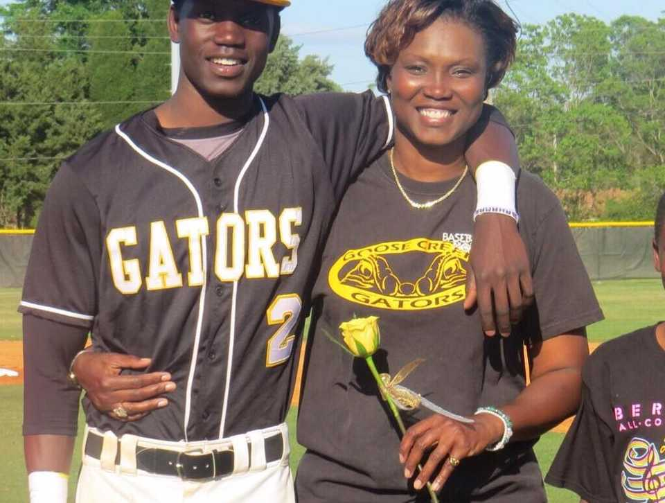 Son of Charleston church shooting victim getting support from teammates