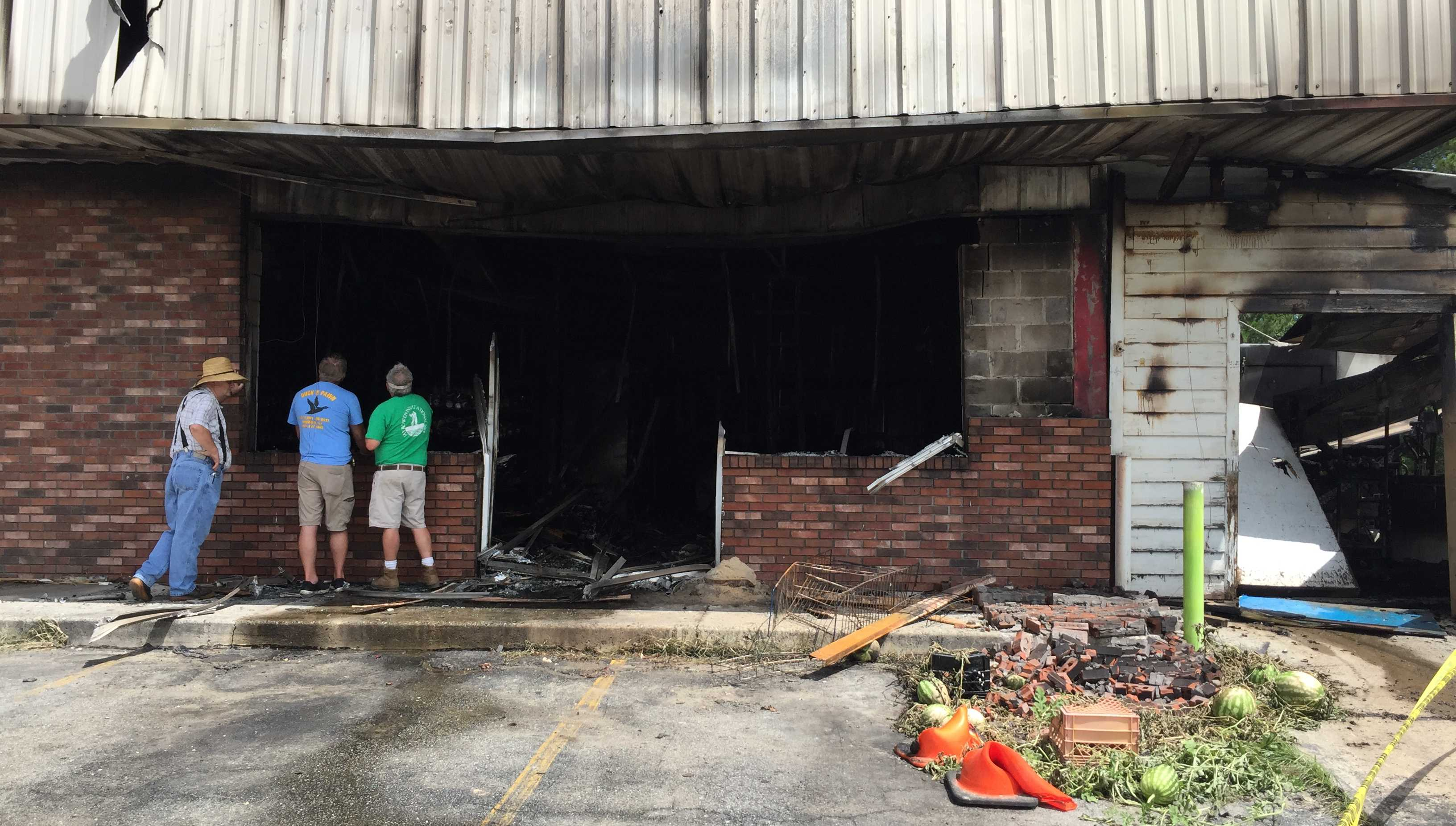 R and J Produce in Hinesville destroyed by fire Monday morning