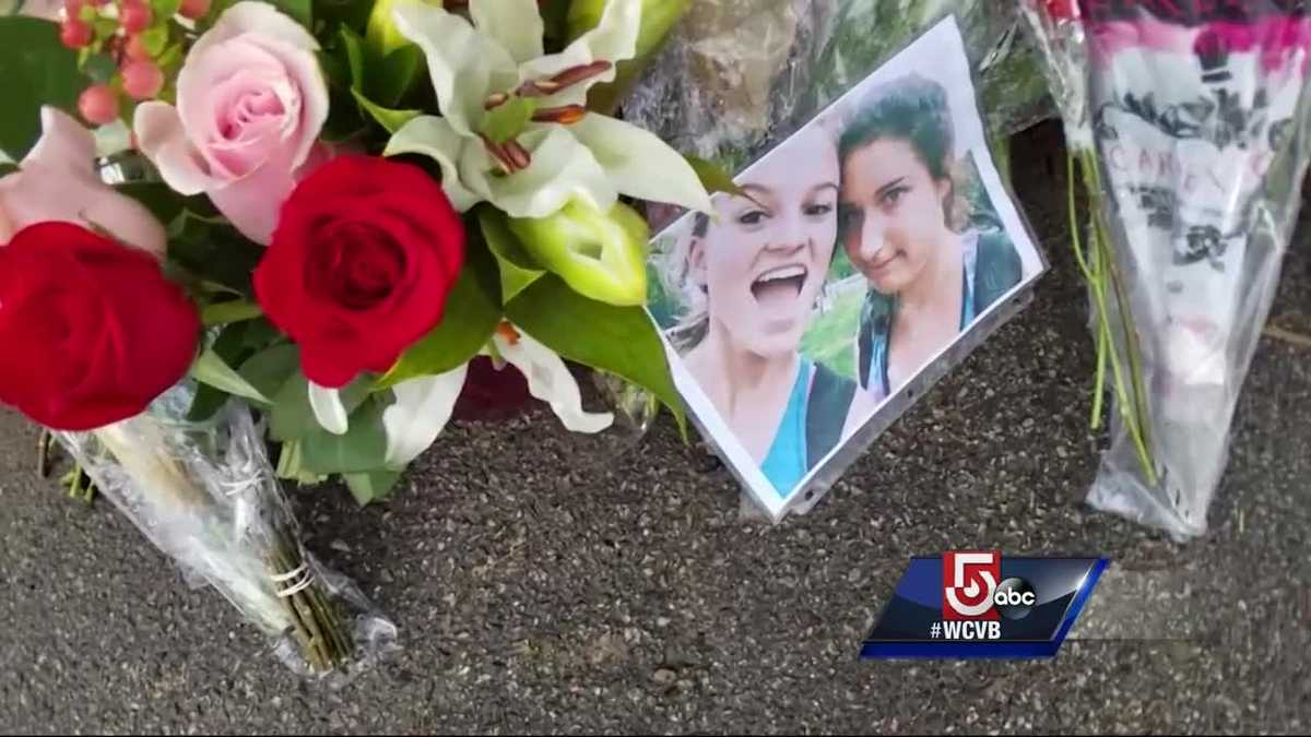 Community in mourning after two teens killed in crash