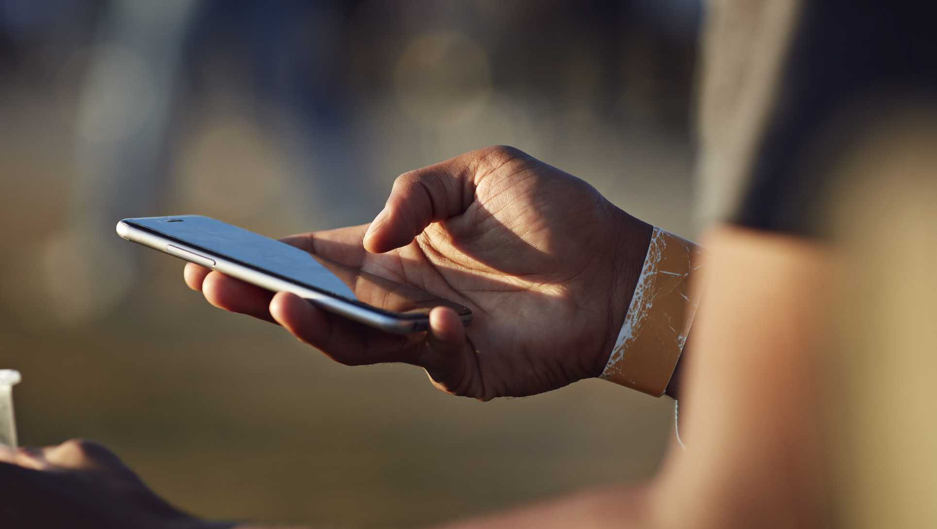 smartphone usage among young people Chapter one: a portrait of smartphone ownership by aaron smith as in past surveys, smartphone ownership is highest among younger americans.