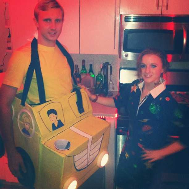 60 halloween costumes for couples best ideas for couples costumes