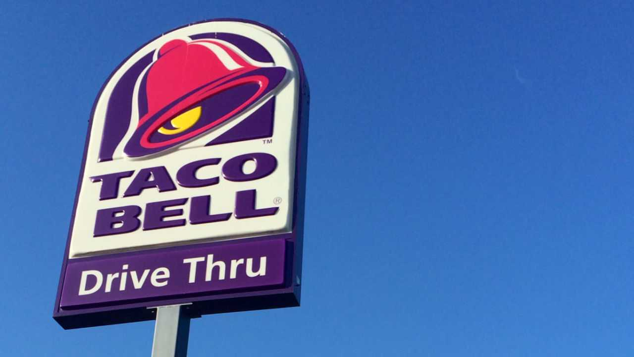 Taco Bell fans hold vigil to mourn restaurant destroyed in a blaze