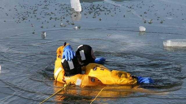 Ice Rescue Training 1 - 30370091