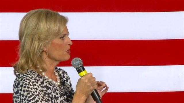 Several hundred enthusiastic supporters welcomed Ann Romney, wife of Republican presidential nominee Mitt Romney, to central Iowa Thursday.