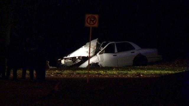 Car slams into tree in overnight crash