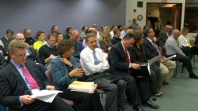 Casino opponents pack council meeting
