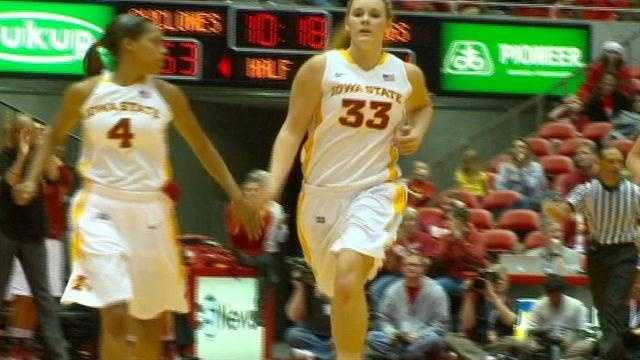 Chelsea Poppens returned from her concussion as the Cyclones took care of business at home