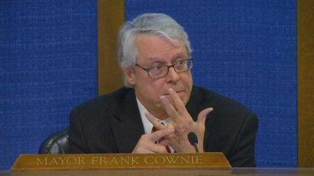 Des Moines mayor calls for gun control discussion