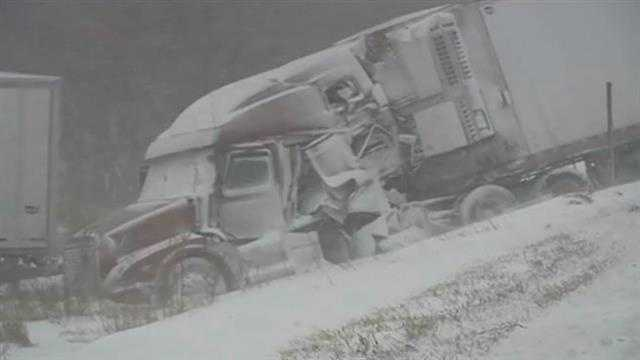 2 pileups close interstate