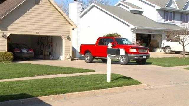 Kids stealing alcohol from Urbandale garages