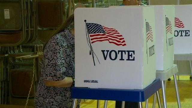 Casino vote underway in Warren County