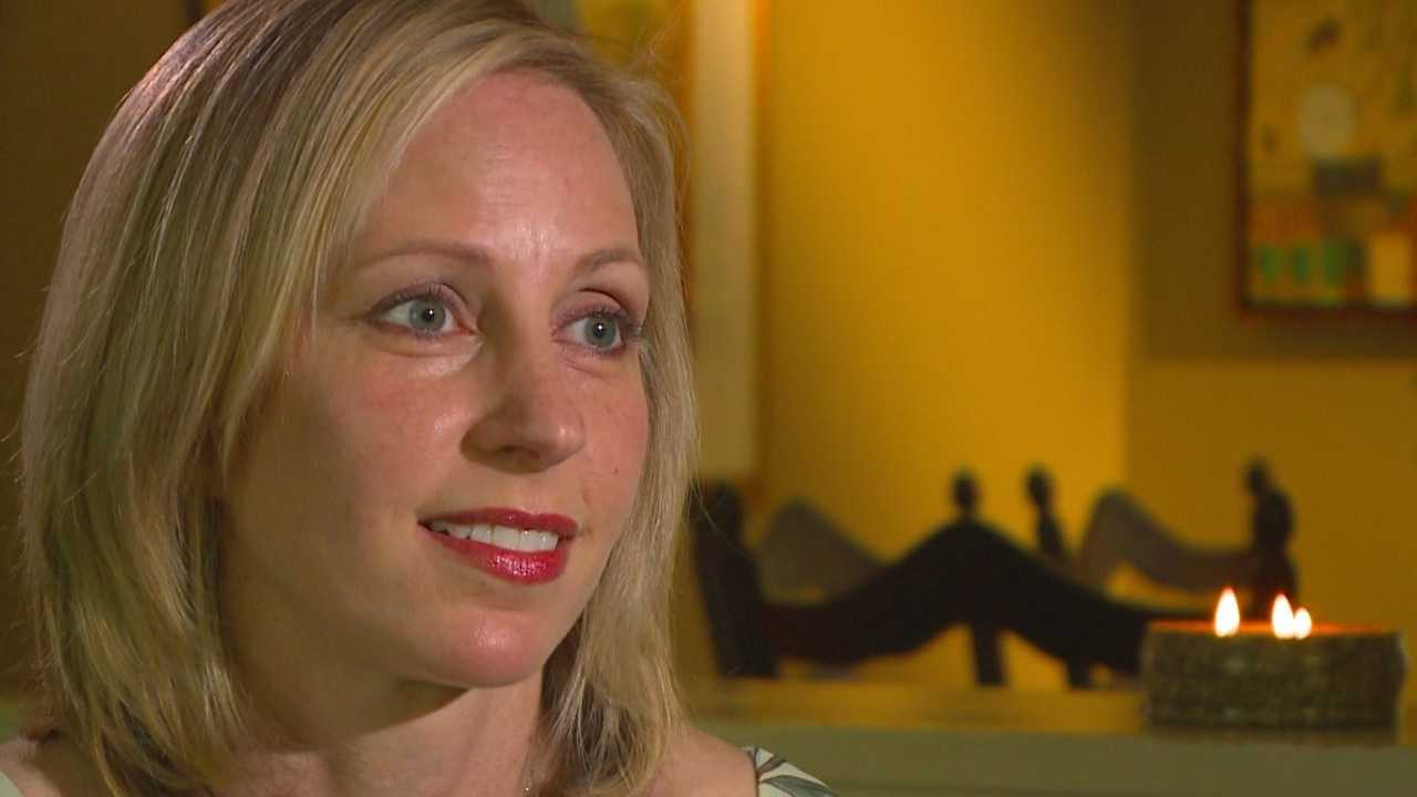 An Iowa woman survives brain cancer with a mission to run the Dam to Dam race again.