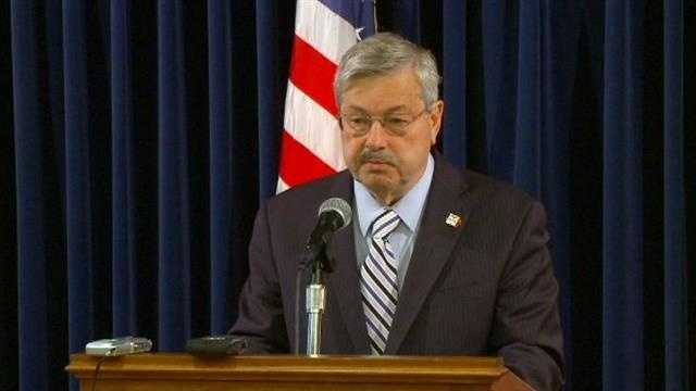 Branstad signs new health care expansion bill