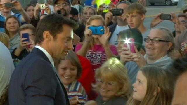 Jackman visits Iowa Falls