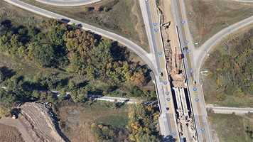 This google image shows the area where the crash happened.  Construction is underway on I-35 to add more lanes through the area.