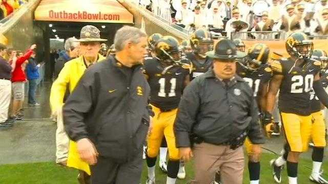 Iowa falls in Outback Bowl 21-14