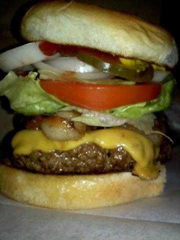 BaconCheeseburger at Lake City Drivein.